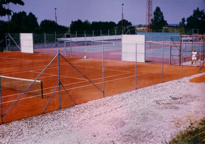 Bau Tennisanlage 12